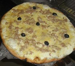 Pizza au thon et à la crème fraiche