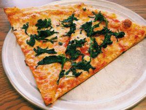 Pizza riccota et épinards