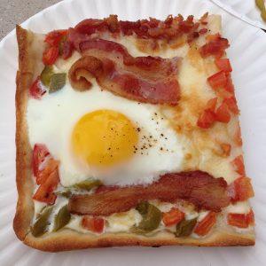 Pizza au petit déjeuner